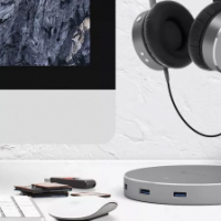 Satechi的耳机支架也是USB 3.0集线器